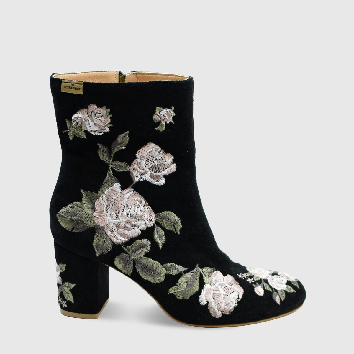 winter-rose-black-main